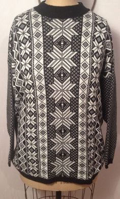 Euro Flash Ski Sweater Black and White Snow Flake Winter Wear One size Fit #EuroFlash #crewneck