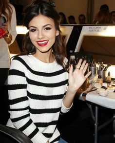 Smart Women, Victoria Justice, Little Sisters, Pop Culture, Eye Candy, Girl Fashion, Summer Outfits, Celebrities, Blouse