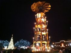 Christmas in Fredericksburg, Texas | Christmas-in-Texas | Shops ...