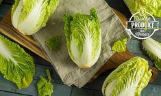 Schon gewusst, dass Chinakohl ein echtes Allround-Talent ist? Er ist nicht nur in der Küche vielseitig einsetzbar, sondern in ihm steckt auch noch eine ganze Palette wichtiger Nährstoffe und Vitamine. Wir haben die spannendsten Chinakohl-Fakten für euch zusammengetragen. Lidl, Food Facts, Cabbage, Palette, Creamy Sauce, Fried Rice, Chinese Cabbage, Asian Cuisine, Harvest