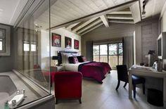 Schlafzimmer mit Bad-Ideen für Wandgestaltung-dunkel-grau gestrichen-wohnliche textilien-trends