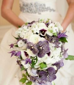 wedding bouquet-purple white-orchids wedding dress-decorative stones jewelry - Home Page Orchid Wedding Dresses, Orchid Bouquet Wedding, Cute Wedding Dress, Wedding Flowers, Rosa Bouquet, Lily Bouquet, Purple Bouquets, Purple Orchids, Bride Bouquets