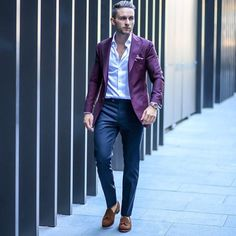 Pin by amine el diablo on blazer fashion, mens fashion:cat, blazer outfits men Suits Outfits, Blazer Outfits Men, Mens Fashion Blazer, Men Fashion Show, Preppy Fashion, Women's Fashion, Purple Suits, Purple Blazers, Cardigan Style