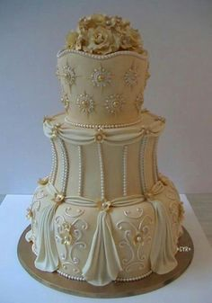 bridal gown inspired wedding cake