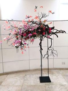 acrylic names hanging from this YES! Modern Floral Arrangements, Creative Flower Arrangements, Church Flower Arrangements, Beautiful Flower Arrangements, Beautiful Flowers, Deco Floral, Arte Floral, Floral Design, Ikebana