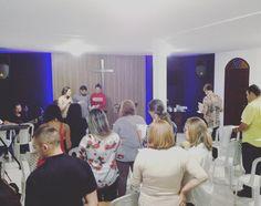 Worshiping #God at the Defense of #Faith Ministries.  Louvando ao #Senhor no Ministério Defesa da #Fé