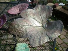 An other of my painted leaf castings