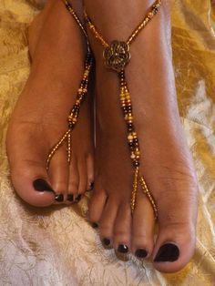Barefoot Sandals Jewelry Pattern | Barefoot sandals Foot jewelry Anklet via Etsy