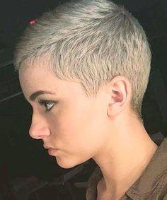 Short Hair Beauty — Rate her look from Short Hair Beauty – Bewerte ihren Look von Short Pixie Haircuts, Pixie Hairstyles, Short Haircut, Short Hair Cuts For Women, Short Hairstyles For Women, Super Short Pixie, Really Short Hair, Corte Y Color, Trending Hairstyles