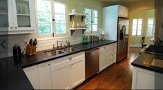 2011 Jeff Lewis Designs Ben Lomond Kitchen