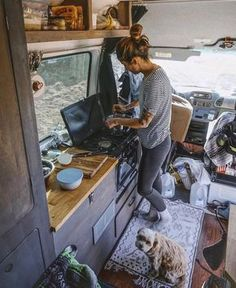 Cool VAN LIFE INTERIOR IDEAS 2017 https://camperism.co/2017/11/30/van-life-interior-ideas-2017/ Lots of people start doing van life since they need to travel,