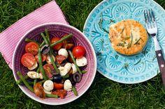 [Low Carb] Bohnensalat mit getrockneten Tomaten, Oliven und Mozzarella und Grillkäse