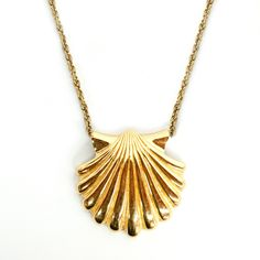 '70s Shell Pendant Necklace