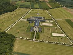 Oh My Great Goddess Epona (Horse Goddess of Gaul, etc.), what a beautiful horse facility.