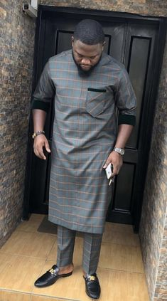 Latest African Wear For Men, African Shirts For Men, African Attire For Men, African Clothing For Men, Nigerian Men Fashion, Indian Men Fashion, African Fashion, Couples African Outfits, African Dresses Men