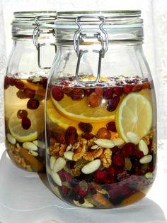 Homemade Alcohol, Homemade Liquor, Yummy Drinks, Healthy Drinks, Fruit Recipes, Cooking Recipes, Polish Recipes, Slow Food, Food Design