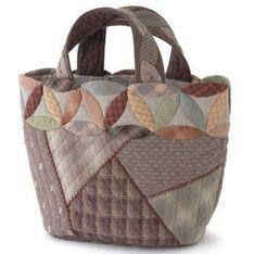 Lindos modelos de bolsas, sacolas, moedeiras, porta marmitas e mochilas artesanais para você se inspirar e colocar a mão na massa!