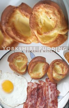 crisp Yorkshire pudding to complete your meal. Ready in 30 minutes. Perfect with meat: roast beef, bacon, ham, etc. Tapas, Quiche, Yorkshire Pudding Recipes, Yorkshire Pudding Breakfast, Popover Recipe, Chocolate Bread Pudding, English Food, English Recipes, Savoury Dishes