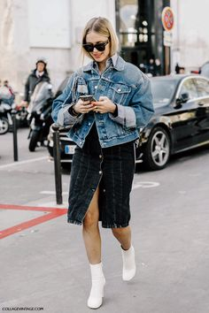 Denim is one of the easiest way to look casual-chic during fall, and these five stylish ladies prove just that. Which look is your favorite?Look 1 ...