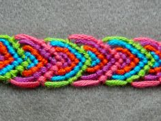 ► Friendship Bracelet Tutorial 14 - Beginner - Alternating Leaves Pattern