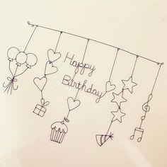 【ワイヤークラフト/ガーランド】 ①風船3つ ②ハート3連+プレゼント ③Happy+Birthday(ハート)+ハート+カップケーキ ④星3連+パーティハット ⑤ト音記号+音符 #ワイヤークラフト #ガーランド #誕生日 #バースデープレゼント Doodle Drawings, Doodle Art, Happy Birthday Cards, Birthday Wishes, Wire Art Sculpture, Wire Ornaments, Karten Diy, Birthday Blessings, Drawings Of Friends