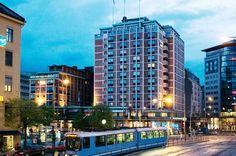 In Oslo und in der näheren Umgebung gibt es viele verschiedene Übernachtungsmöglichkeiten für Urlauber und Besucher. In der City finden sich Hotels, Appartements, Pensionen und Jugendherbergen. Etwas außerhalb der Innenstadt finden sich einige Campingplätze und verschiedene Ferienhäuser. Wer m