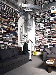 Karl Lagerfeld has between 60,000 and 230,000 books