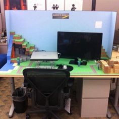 Pimp your desk with Minecraft