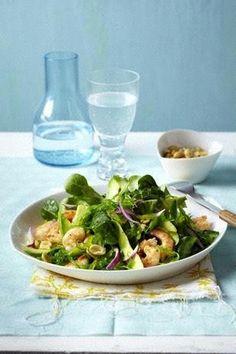 Das Rezept für Salat mit Avocado, Algen, Garnelen und Feldsalat und weitere kostenlose Rezepte auf LECKER.de