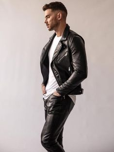 Shinyhide Leather Jeans Men, Leather Trousers, Denim Jeans Men, Leather Jacket, Eye Candy, Overalls, Menswear, Guys, Fall Winter