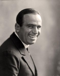 On this day in the first Academy Awards ceremony was held in Los Angeles, California. It was hosted by swashbuckling actor Douglas Fairbanks. Did you know the first awards ceremony lasted only 15 minutes? The First Academy, First Academy Awards, Old Hollywood Glamour, Hollywood Actor, Classic Hollywood, Hollywood Stars, Douglas Fairbanks, Star Wars, Silent Film