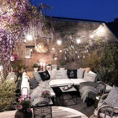 Bohemian Garden Backyard and Patio Ideas Outdoor Rooms, Outdoor Gardens, Outdoor Living, Outdoor Decor, Cozy Patio, Backyard Patio Designs, Patio Ideas, Patio Seating, Patio Table