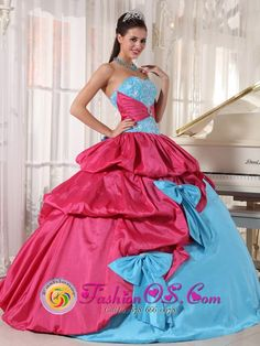 Suomenniemi Finland Winter Quinceanera Dress Sweetheart Aqua Blue and Hot Pink Style PDZY385BUQ, Embroider flower Quinceanera Dress