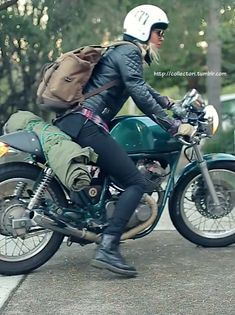 She appears to be loaded and ready to ride. | caferacerpasion.com