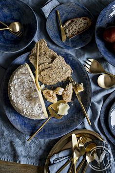 French Country Collections' Winter Table & a Flatbread Recipe French Country Collections, Winter Table, Flatbread Recipes, French Country Style, Kitchen Dining, Eat, Ethnic Recipes, Colors, Food
