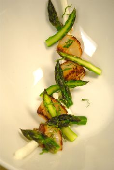plating asparagus and protein