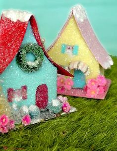 How-to: build a tiny putz house from a mini cereal box ♥ This link is FANTASTIC!  It goes to a digital magazine packed full of vintage-y Christmas goodies!- RRM