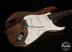 John NORUM 1st signature guitar by Paoletti Guitars (IT)