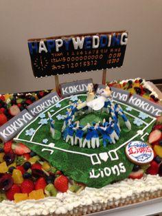 野球好きのカップルのウエディングケーキ、中央で胴上げされているのがカップル Big Cakes, Wedding Decorations, Birthday Cake, Weddings, Future, Desserts, Ideas, Food, Tailgate Desserts