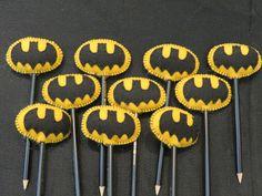 Ponteira de lápis confeccionada em feltro - motivo Batman, embalados em saquinhos de celofane.