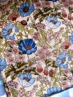 Vintage 1970s Poppies  Fabric