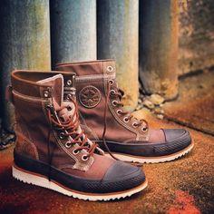 Throwing on the Converse Major Mills boots. #SneakersGetLost