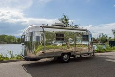 Virginia Airstream - 1953 Flying Cloud - by Timeless Travel Trailers