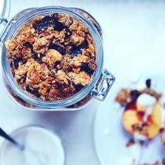 RECIPE : super healthy granola | jenny mustard