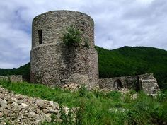 Ruiny zamku w Rytrze.  http://www.malopolska24.pl/index.php/2014/05/w-7-dni-dookola-sadecczyzny-sladami-piechurow-radziejowa/