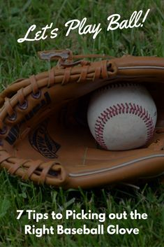 Choosing the right baseball glove can make a huge difference! Read our tips on finding the perfect fit.