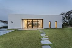 House among the Olive Grove / Henkin Irit & Shavit Zohar
