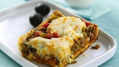 Deep-Dish Taco Squares Easy to make casserole ready in less than an hour using Old El Paso® taco seasoning! Spicy beef squares perfect for Mexican meals! Bisquick Recipes, Amish Recipes, Great Recipes, Cooking Recipes, Favorite Recipes, Recipe Ideas, Pasta Recipes, Tostadas, Tacos