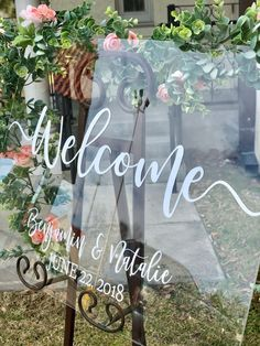 Clear Glass Look Acrylic Wedding Welcome Sign, Personalized Modern Wedding Welcome Sign Decoration for Display, Custom Wedding Sign Elegant Wedding, Perfect Wedding, Rustic Wedding, Dream Wedding, Wedding Day, Event Signage, Wedding Signage, Garland Wedding, Wedding Decorations