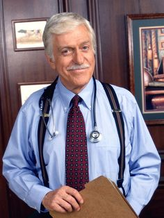 Dick Van Dyke. Diagnosis Murder. Love him. Reminds me SO much of my papa.